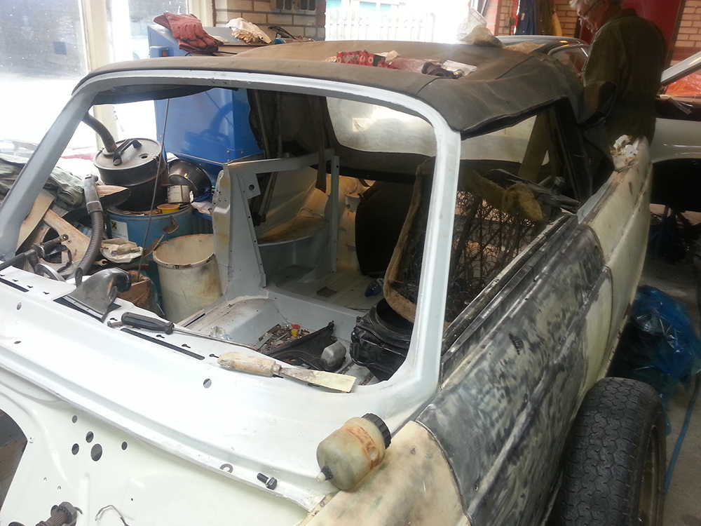 DKW F12 Roadster uit 1965 ( nog in restauratie )